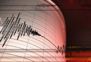 Ilustrasi - Seismograf mencatat getaran gempa.