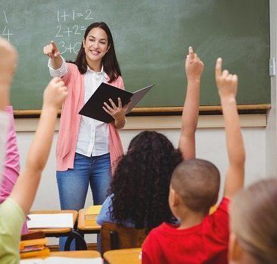 Ilustrasi proses belajar mengajar.
