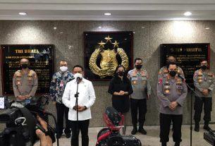 Kapolri Jendral Listyo Sigit Prabowo bersama Menpora Zainudin Amali di Jakarta (31/5/2021).